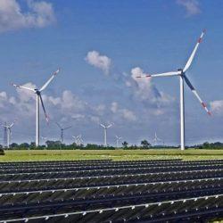 Stroom uit zonnepanelen en windmolens voor twee derde wereldbevolking goedkoopste elektriciteitsbron